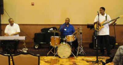The Cigna-HealthSpring Jazz Band entertained the crowd.